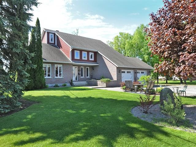 Maison à vendre à Rivière-Beaudette, Montérégie, 675, Avenue  Samson, 25423311 - Centris.ca
