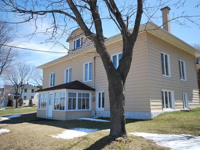 Maison à vendre à L'Isle-Verte, Bas-Saint-Laurent, 17, Rue  Saint-Jean-Baptiste, 26755174 - Centris.ca
