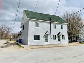 Triplex à vendre à Pontiac, Outaouais, 24, Rue  St. John, 28601749 - Centris.ca