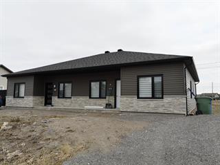 Maison à vendre à Saguenay (Chicoutimi), Saguenay/Lac-Saint-Jean, Rue  Delisle, 18279893 - Centris.ca