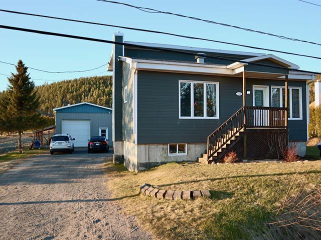 Maison à vendre à Saint-Fulgence, Saguenay/Lac-Saint-Jean, 141, Route de Tadoussac, 10090815 - Centris.ca