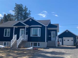 House for sale in Saint-Honoré, Saguenay/Lac-Saint-Jean, 319, Rue de l'Aéroport, 18041545 - Centris.ca