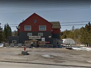 Bâtisse commerciale à louer à Gracefield, Outaouais, 49, Rue  Saint-Joseph, 15901225 - Centris.ca