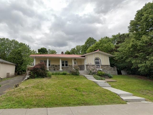Maison à louer à Longueuil (Le Vieux-Longueuil), Montérégie, 40, Rue  Saint-Jean, 20205636 - Centris.ca