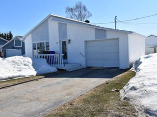 House for sale in Chute-aux-Outardes, Côte-Nord, 15, Rue  Malouin, 15021444 - Centris.ca