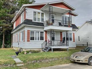 Duplex à vendre à Saint-Alexis-des-Monts, Mauricie, 40 - 42, Rue  Sainte-Thérèse, 22615341 - Centris.ca