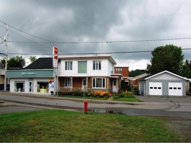 Bâtisse commerciale à vendre à Saint-Séverin (Mauricie), Mauricie, 10 - 12, Rue  Saint-Georges, 17388661 - Centris.ca