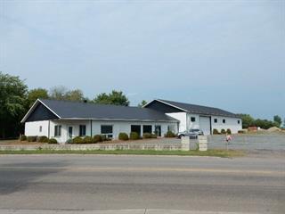 Commercial building for sale in Louiseville, Mauricie, 200, Chemin de la Grande-Carrière, 16704794 - Centris.ca