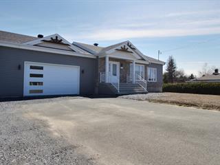 Maison à vendre à Saint-Honoré-de-Shenley, Chaudière-Appalaches, 564, Rue  Principale, 11973042 - Centris.ca