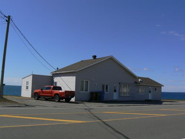 Triplex à vendre à Chandler, Gaspésie/Îles-de-la-Madeleine, 190 - 194, boulevard  Pabos, 11354041 - Centris.ca