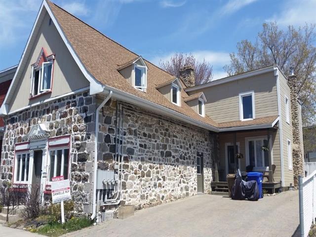 Triplex à vendre à Varennes, Montérégie, 103 - 105, Rue  Sainte-Anne, 25696199 - Centris.ca