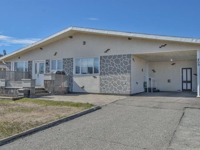 Duplex for sale in Sainte-Anne-des-Monts, Gaspésie/Îles-de-la-Madeleine, 409 - 409B, boulevard  Sainte-Anne Ouest, 13661958 - Centris.ca