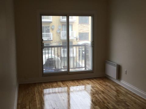 Condo / Apartment for rent in Villeray/Saint-Michel/Parc-Extension (Montréal), Montréal (Island), 8680, Avenue  Bloomfield, apt. 4, 10414876 - Centris.ca