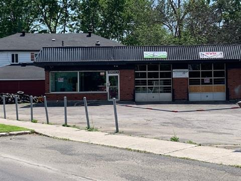 Bâtisse commerciale à louer à Laval-Ouest (Laval), Laval, 880, boulevard  Arthur-Sauvé, 19938195 - Centris.ca