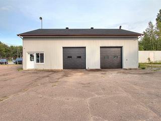 Bâtisse commerciale à vendre à Trois-Rivières, Mauricie, 2600 - 2610, boulevard  Thibeau, 10798417 - Centris.ca