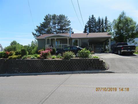 Maison à vendre à Témiscouata-sur-le-Lac, Bas-Saint-Laurent, 83, Rue du Vieux-Chemin, 26018706 - Centris.ca