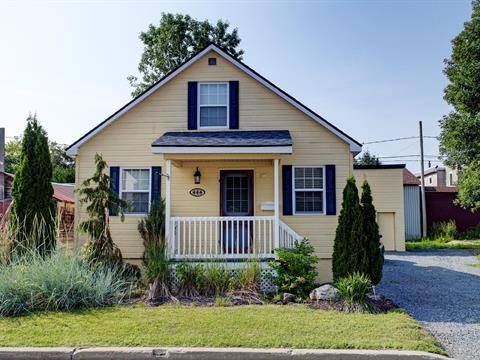 Maison à vendre à Lachute, Laurentides, 444, Rue  Filion, 22013616 - Centris.ca