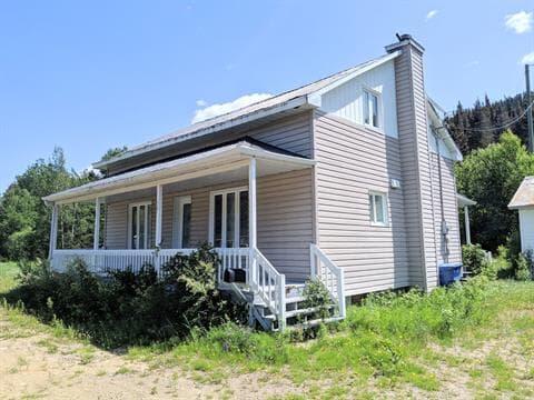 Maison à vendre à Rivière-Éternité, Saguenay/Lac-Saint-Jean, 348, Route  Principale, 18978593 - Centris.ca