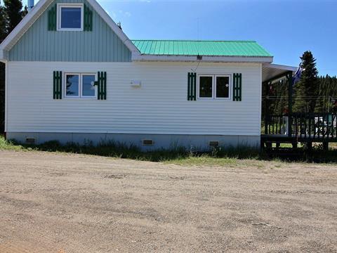Chalet à vendre à Rivière-aux-Outardes, Côte-Nord, Lac du Bord, 21613885 - Centris.ca