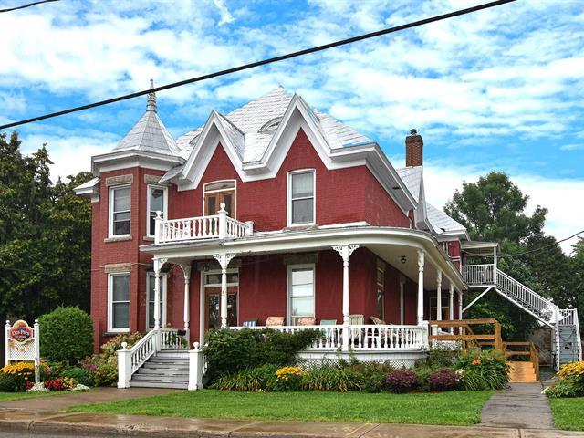 Immeuble à revenus à vendre à Louiseville, Mauricie, 180, Avenue  Sainte-Marie, 21293944 - Centris.ca