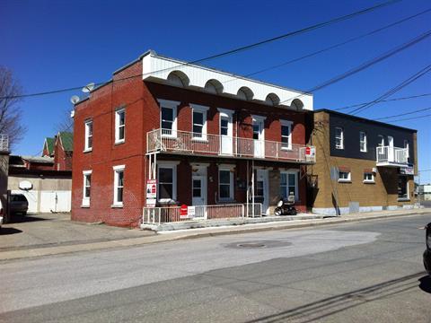 Triplex à vendre à Acton Vale, Montérégie, 1014 - 1018, Rue  MacDonald, 18389803 - Centris.ca