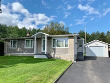 House for sale in Jonquière (Saguenay), Saguenay/Lac-Saint-Jean, 1944, Rue  Fay, 28116022 - Centris.ca