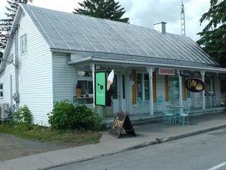 Duplex à vendre à Sainte-Mélanie, Lanaudière, 945 - 955, Route  Principale, 13923512 - Centris.ca