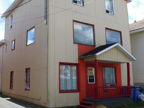 Quadruplex à vendre à Val-Brillant, Bas-Saint-Laurent, 4 - 10, Rue  Saint-Pierre Est, 17375681 - Centris.ca