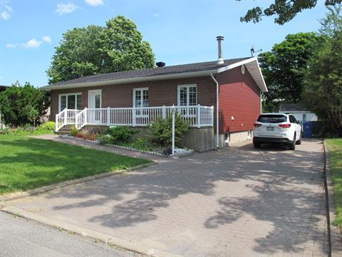 House for rent in Sainte-Foy/Sillery/Cap-Rouge (Québec), Capitale-Nationale, 864, Rue de la Belle-Place, 27619615 - Centris.ca