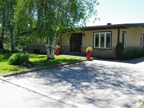 Maison à vendre à Mont-Laurier, Laurentides, 275, Rue  Laviolette, 27640732 - Centris.ca