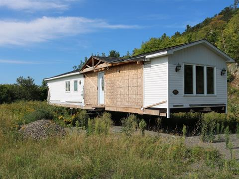 Mobile home for sale in Saint-Philippe-de-Néri, Bas-Saint-Laurent, 44, Route  230 Est, 10832947 - Centris.ca