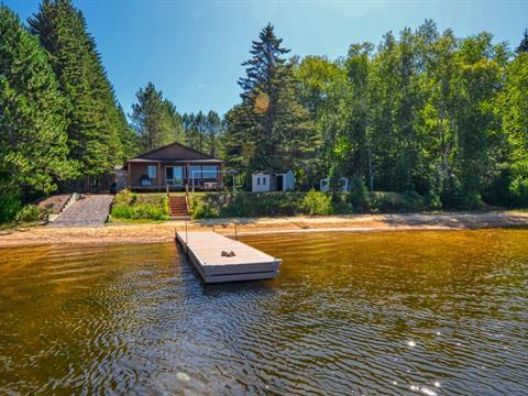 Cottage for sale in Saint-Donat (Lanaudière), Lanaudière, 149, Chemin du Lac-Croche Est, 20972078 - Centris.ca