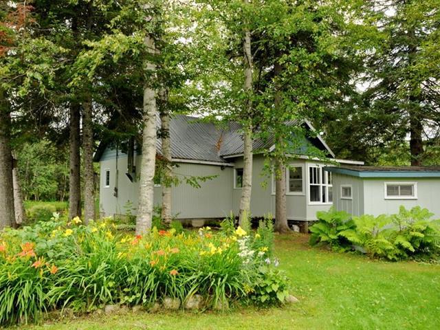 Maison à vendre à Petite-Rivière-Saint-François, Capitale-Nationale, 1288, Route  138, 21891537 - Centris.ca