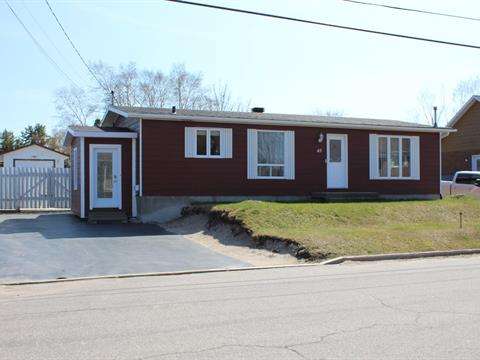House for sale in Baie-Comeau, Côte-Nord, 45, Avenue  Parent, 17041614 - Centris.ca