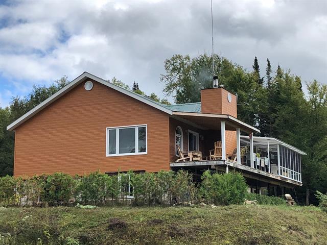 Cottage for sale in La Tuque, Mauricie, Lac de l'Algonquin, 28912755 - Centris.ca