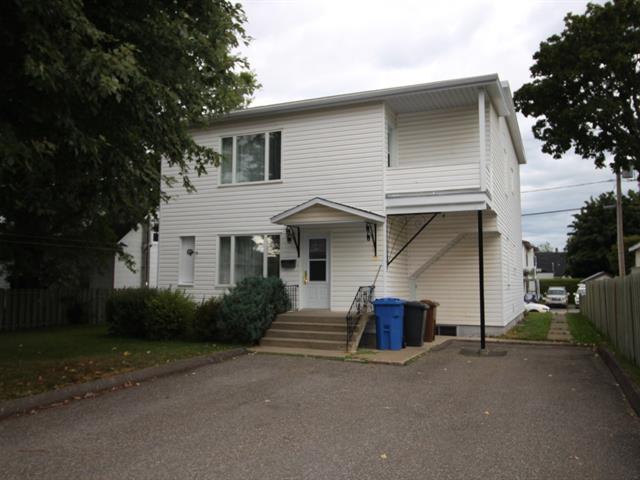 Maison à vendre à Rimouski, Bas-Saint-Laurent, 182, Rue  Langevin, 18121531 - Centris.ca