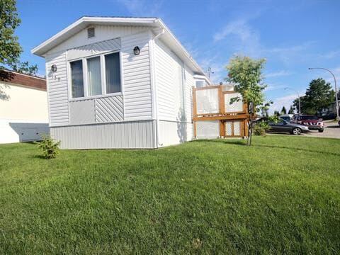Mobile home for sale in Baie-Comeau, Côte-Nord, 139, Avenue  Crémazie, 16679095 - Centris.ca
