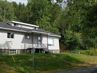 Maison à vendre à La Tuque, Mauricie, 800 - 800A, Rue  Joffre, 24858431 - Centris.ca