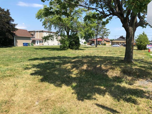 Terrain à vendre à Saint-Rémi, Montérégie, Rue  Lachapelle Est, 11969848 - Centris.ca