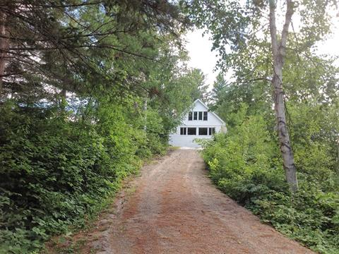 Cottage for sale in Alleyn-et-Cawood, Outaouais, 303, Chemin de Cawood, 28648751 - Centris.ca