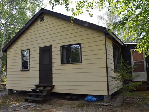 Cottage for sale in Les Lacs-du-Témiscamingue, Abitibi-Témiscamingue, 1, Lac  Grindstone, 14286323 - Centris.ca