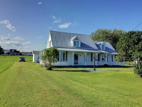 Maison à vendre à Port-Daniel/Gascons, Gaspésie/Îles-de-la-Madeleine, 200, Route  132, 15668964 - Centris.ca