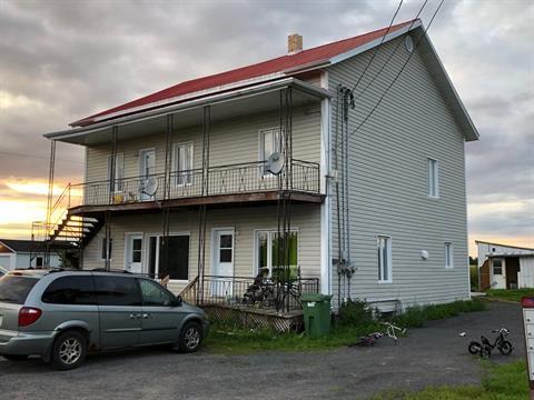 Triplex for sale in Alma, Saguenay/Lac-Saint-Jean, 5811 - 5815, Chemin  Saint-François, 18186553 - Centris.ca