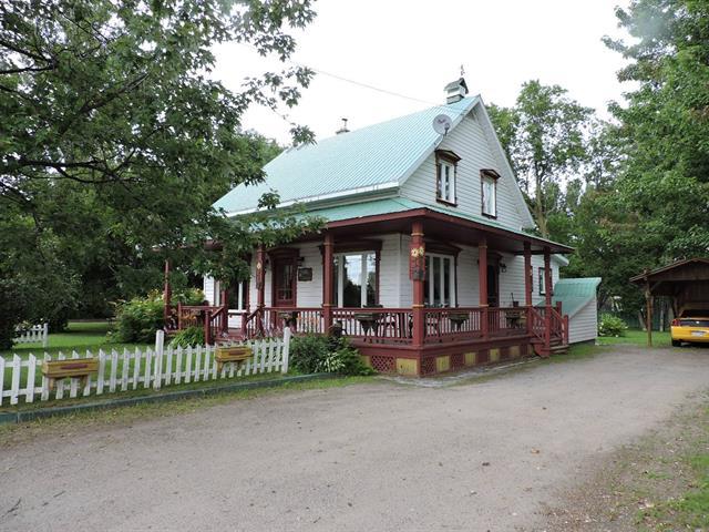 House for sale in Normandin, Saguenay/Lac-Saint-Jean, 1297, Rue  Saint-Cyrille, 23426188 - Centris.ca
