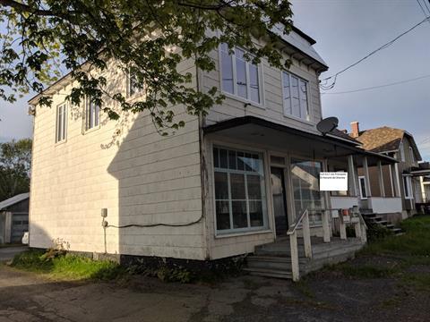 Triplex for sale in Saint-Honoré-de-Shenley, Chaudière-Appalaches, 515 - 517, Rue  Principale, 17072236 - Centris.ca