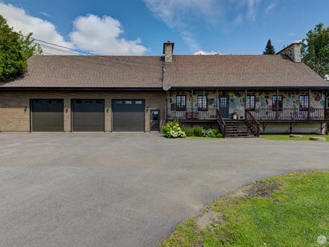 Maison à vendre à Thetford Mines, Chaudière-Appalaches, 2139, Rue  Saint-Alphonse Nord, 20075608 - Centris.ca