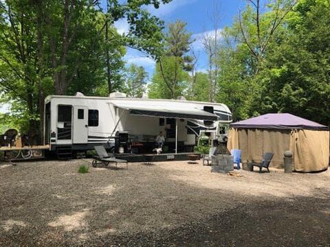 Terrain à vendre à Chénéville, Outaouais, Chemin  Tour-du-Lac, 25190011 - Centris.ca