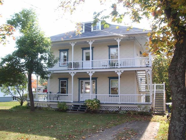 Maison à vendre à Saint-Jean-Port-Joli, Chaudière-Appalaches, 64 - 66, Avenue  De Gaspé Est, 28187168 - Centris.ca