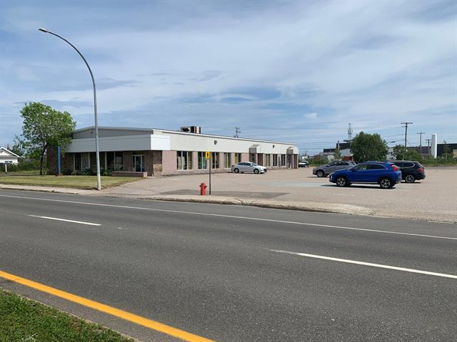 Bâtisse commerciale à vendre à Sept-Îles, Côte-Nord, 480, boulevard  Laure, 12112377 - Centris.ca