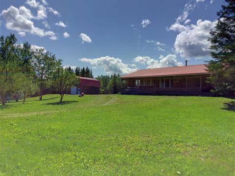 Cottage for sale in Ristigouche-Partie-Sud-Est, Gaspésie/Îles-de-la-Madeleine, 18A - 18B, Route  132, 24780290 - Centris.ca
